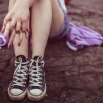 生理中の足のだるさの原因は…?