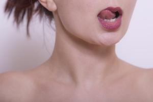 ついつい唇を舐めてしまう・・・悪循環による「乾燥」