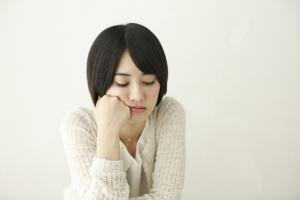 過敏性腸症候群の症状には下痢や便秘の症状のほかに精神症状も