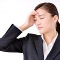 頭痛に効くツボはコレ!ツライ頭痛がきたと思ったらこのポイントを上手に刺激してみましょう