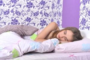 寝てる時の姿勢はうつ伏せ?横向き?