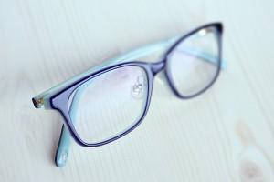 眼鏡ふきのきめ細かい繊維を利用した洗顔方法