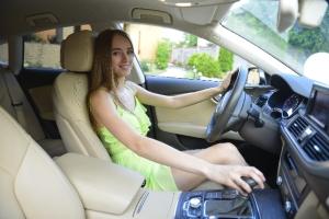 妊娠中とくに悪阻がある時の車の運転は要注意