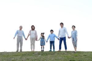 家族から学校から会社…現代の多種多様な人間関係の集団