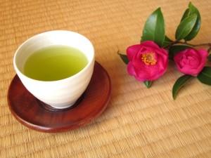お茶を飲んでダイエット糖分の吸収を抑えるお茶