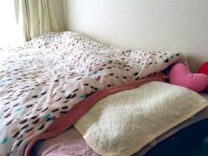 ひどい寝汗は快適な睡眠を妨げます。寝具や寝間着をあらためてチェックしましょう。