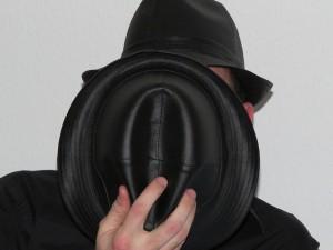 帽子は直射日光を遮るアイテム、頭皮へのダメージを避けよう