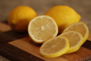 ブロッコリーは、ビタミンCの含有量がレモンの2倍