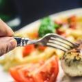 排卵日は食欲旺盛でだけど食べ過ぎると肥満や病気の危険あり