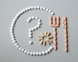 薬には腎障害・肝機能障害・ぜんそく・アナフィラキシーショックなどのリスクもあります