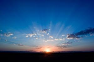 時短睡眠には日中に浴びる光も効果的