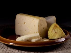アルコールの分解を助ける食品:チーズ