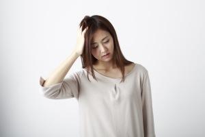 偏頭痛と吐き気がセットでやってくる理由とは?