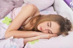 口呼吸予防に楽な姿勢で寝る