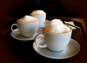 一日3杯以上のコーヒーは胸をサイズダウンさせる研究結果が!