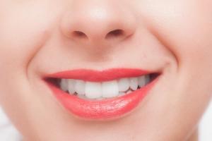 口呼吸は風邪をひきやすくなったり口臭が出たりリスクがある