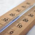 夏のオフィスはエアコンの設定温度の争奪戦!?冷房での冷え対策で身体の冷え過ぎを防止しましょう!