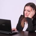左後頭部が痛い原因7つとは?病気よりも普段の姿勢のクセが原因であることが多い?!