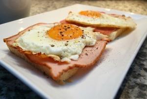 妊娠中に卵を食べるときは加熱して食べましょう