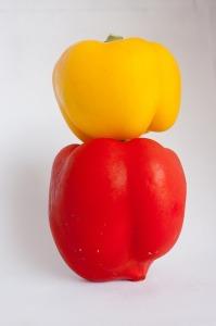 ブロッコリーや黄ピーマンには多くビタミンCが含まれている