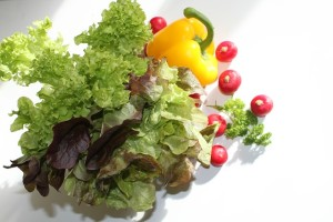 妊娠後期の便秘解消には野菜と水分を摂取