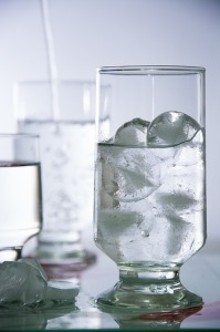 寝汗の予防水分を取る