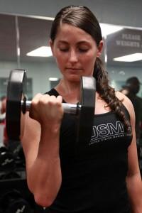 筋肉をつけたいなら筋トレや運動の直後に食事をとる