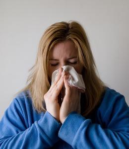 鼻スプレーの使い過ぎは、かえって症状を悪化させてしまう原因