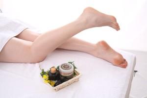 最近では足のケミカルピーリングする製品も販売されています