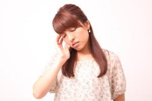 ホルモンバランスが崩れるために頭痛も…