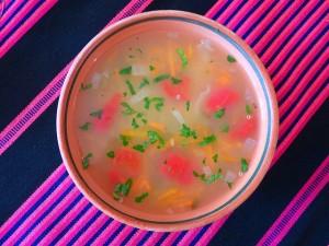 妊娠中に食欲がない時は野菜スープがよい