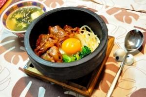 身体を柔らかくする食材は卵や牛肉などのタンパク質