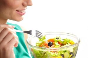 食事内容を見直し血糖値を上げないように工夫しましょう