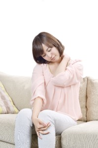 妊娠初期に首や肩、腰に痛みを感じる人は少なくありません