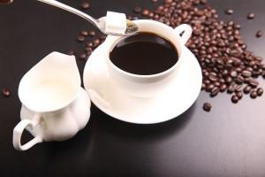 頻尿が気になったらコーヒーやお茶を控えましょう
