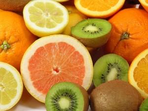 ビタミンCをたくさん摂ると生理が早まる