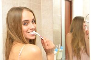 歯磨きをして唾液を出すことでも副交感神経を刺激することができます