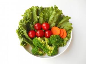 ダイエット期間中は、野菜中心の生活にしていきましょう