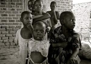 貧困地域の子供たちが手軽に摂取できる栄養補助食品として開発がスタート