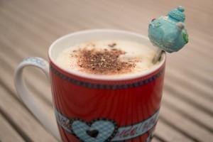 コーヒーやココアはアイスの方が体を冷やさない!