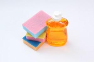 化学洗剤は手を老けさせる?!