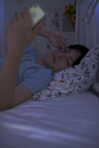 睡眠不足や睡眠の質の低下