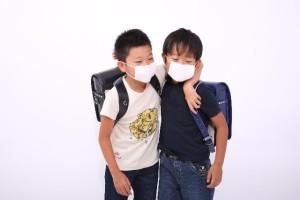 手洗いうがいやマスクで予防