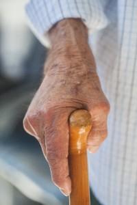 酸化すると、真皮のコラーゲンが硬くなり、老化が進みます