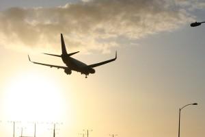 飛行機で感じる浮遊感と対策は?