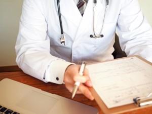 心筋梗塞や拡張型心筋症など心臓疾患が最も多く、突然死の70パーセント以上