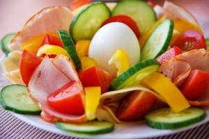 二枚爪にならないためには栄養バランスのよい食事