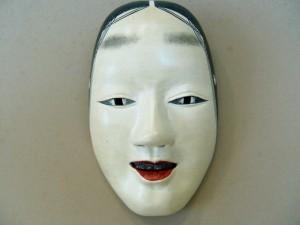 表情をあまり顔に出さない日本人・・・