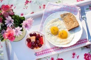 朝食の取り方は起きてから1時間以内に頂きましょう