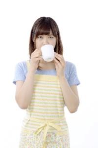 朝一番に白湯を飲みましょう